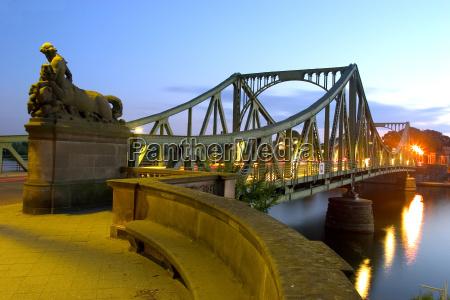 glienicker, bridge, at, night, 01 - 127555
