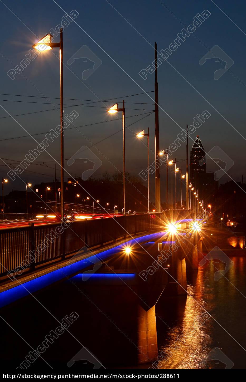 peace, bridge, in, frankfurt, vertically - 288611