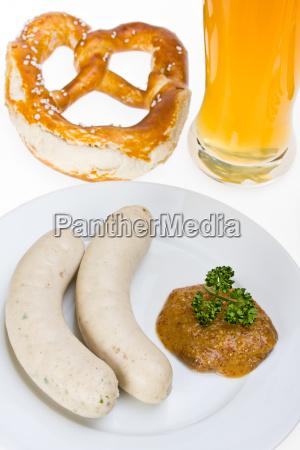 bayerische weisswurst weissbier und brezn