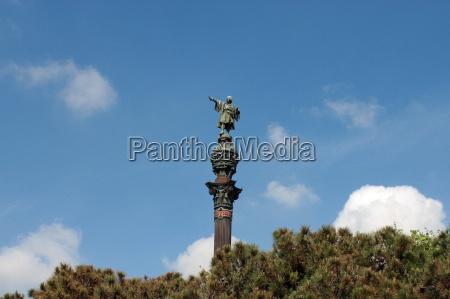 monument a colon
