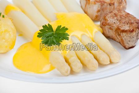 white asparagus and hollandaise sauce
