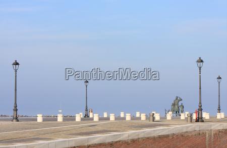 monument harbor lantern harbours dock scenery