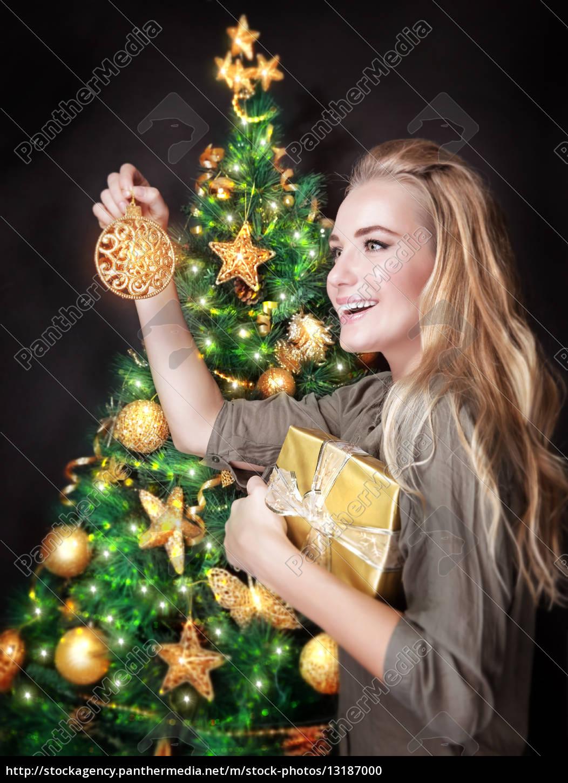 happy, girl, decorating, christmas, tree - 13187000