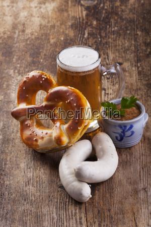 bavarian, weisswurst, mit, bretzel, und, bier - 13207206