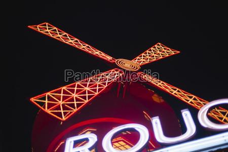 france paris lightes moulin rouge by