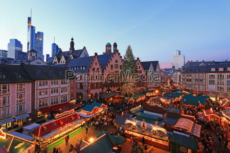 christmas fair on roemerberg square frankfurt