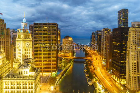 towers along the chicago river towards